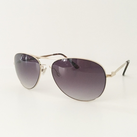bdd4a2a2a4177 Lucky Brand Aviator sunglasses Unisex Used